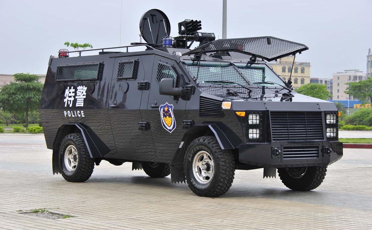 豹式装甲车