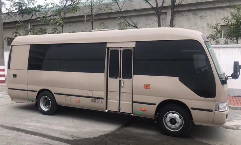 金龙牌7米体检车(流动医疗车)
